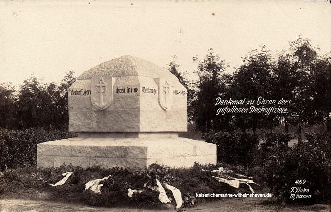 Ehrenfriedhof Wilhelmshaven Garnisonsfriedhof Denkmal Deckoffiziere