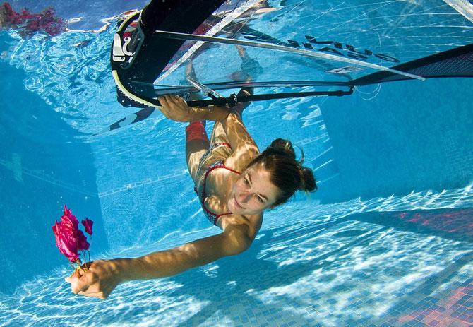 maria andres mariandres windsurf foto sumergida wind piscina