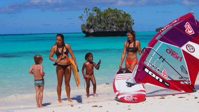 windsurf surf stand up paddle traveling and exploring lifou in new caledonia with lena erdil and maria andres nueva caledonia nouvele caledonie surf trip explore adventure french polynesia melanesia ocean waterwoman watergirls girs just wanna have fun