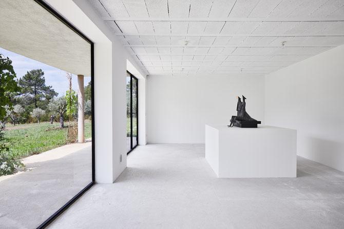 Lynn Chadwick et Antoine Carbonne, Galerie du Domaine du Muy © Jeanchristophe Lett
