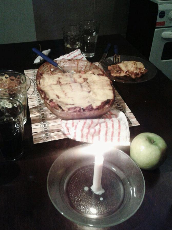 Unser Festessen: Gemüselasagne, mit viel Liebe und Hackfleisch gemacht