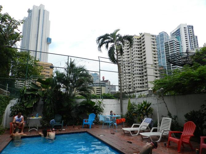 Eine kleine Oase inmitten von Betonriesen: Unser Hostel Villa Vento Surf in Panama City