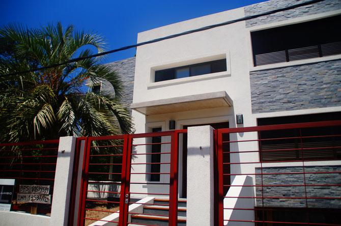 Von außen fertig, von innen noch lange nicht: Diegos selbst entworfenes Haus