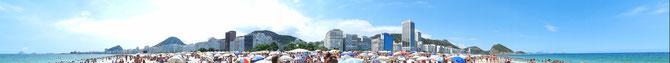 (Fast) 360°-Blick von der Copacabana auf Rio