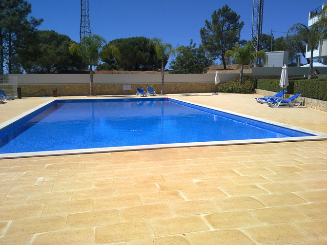 Swimmingpool mit klares, chlorfreies Wasser