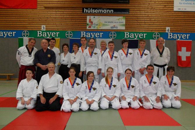 Das Team von Son Su Dan Mittermeier vertritt ihre Schule weit über die Landesgrenzen hinaus hier z.B  beim V.a.K Bundeslehrgang in Krefeld