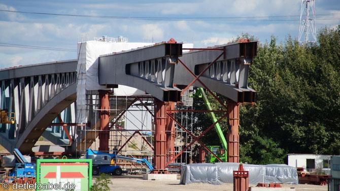 Neue Spreebrücke