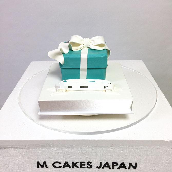 ティファニーボックス型ケーキ