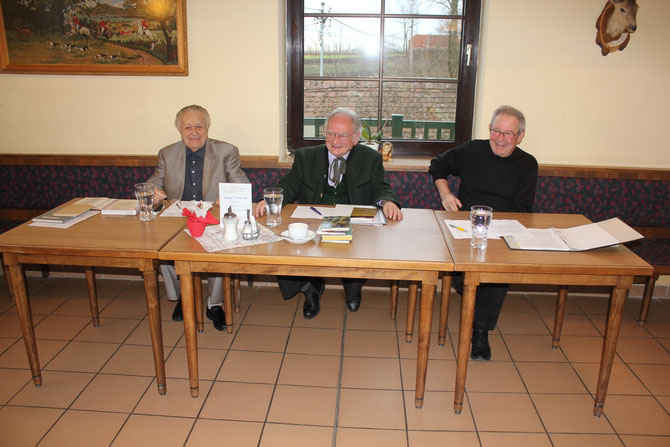 Unsere drei Mundartkünstler (von links) Josef Pfeifer, Hermann Jagenteufel und Herbert Fidesser