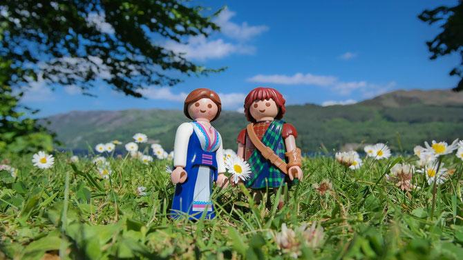 Claire & Jamie in den schottischen Highlands