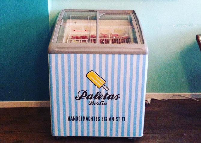 Eistruhe für den Resale Wiederverkauf von Stieleis Paletas Berlin