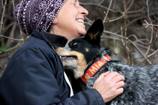Mag. Caroline Burchell mit Mia (Foto Silvia Biank)