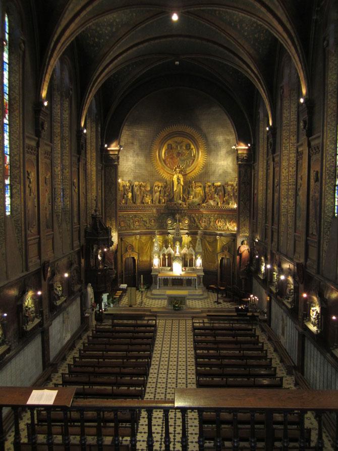 Vue générale de l'intérieur de la basilique depuis la tribune d'orgue