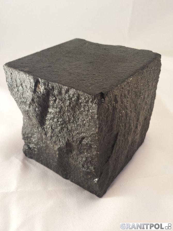 Natursteinpflaster aus Schweden, schwarze Natursteine