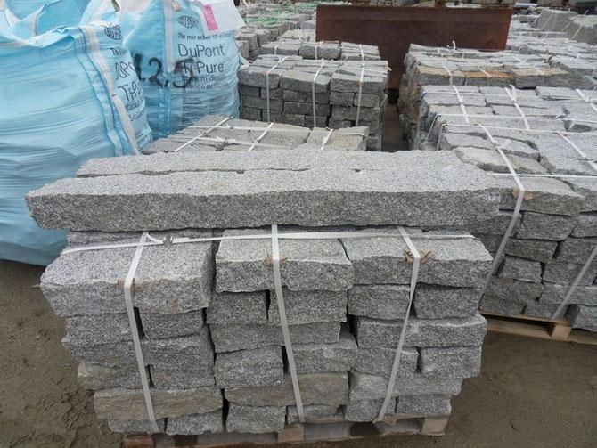 Gespaltene und gesägte Randsteine aus polnischem grauem Granit ab Werk kaufen