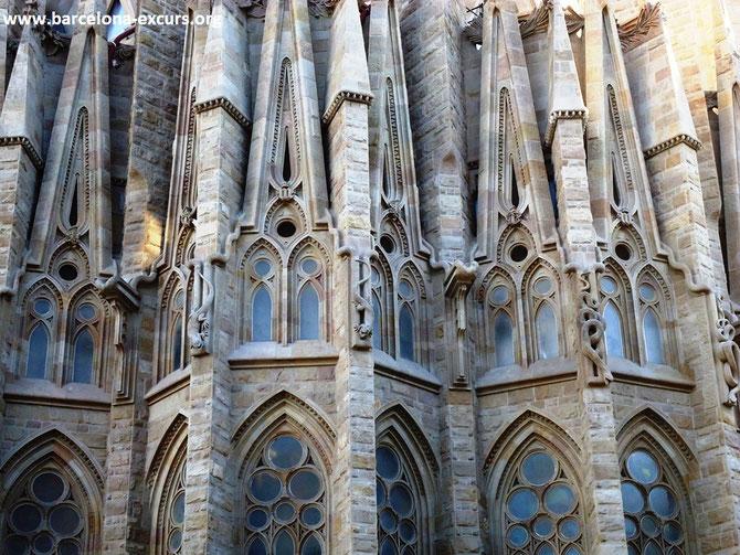 Храм Святого Семейства в Барселоне - абсида (заалтарная часть храма)