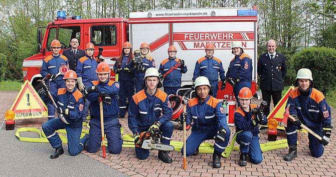 Die Jugendgruppe der FF Marktzeuln mit den beiden Jugendwarten - Stand: Mai 2017