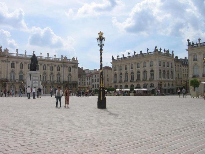 Nancy, Place Stanislas : l'un des décors du roman