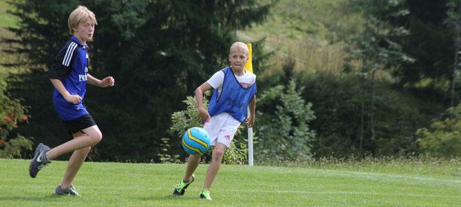 Heute Nachmittag stand Fußball auf dem Programm.