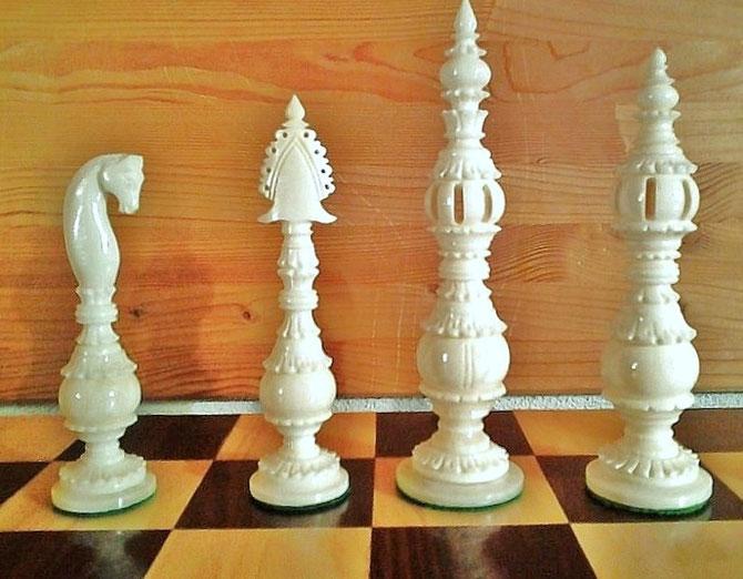 King 16cm    Pawn 9 cm