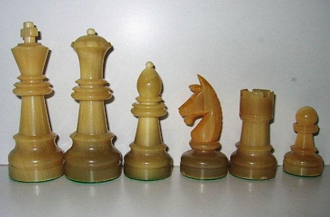 King 8,2cm        Pawn 3,5cm