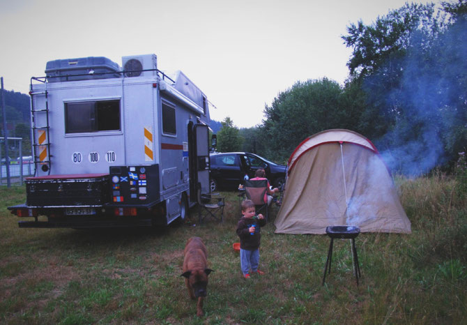 allemagne bigousteppes nuit mercedes camion camp