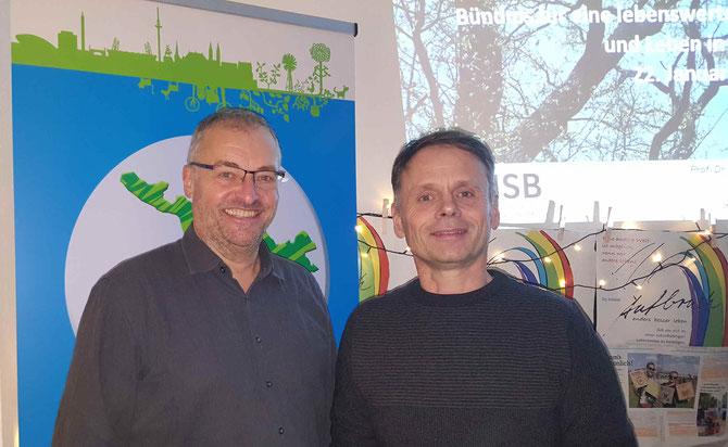 Prof. Dietmar Zacharias und Ulf Jacob, Sprecher Bündnis lebenswerte Stadt (re.) beim Stadtgespräch