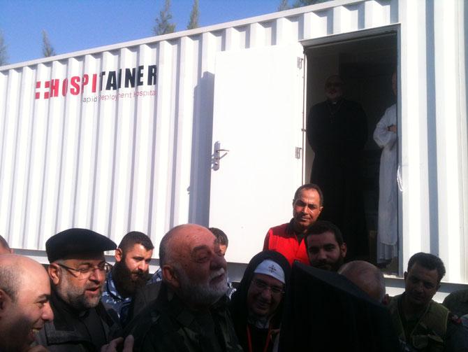 L'hôpital mobile venu de l'Hollande le jour òu il a été béni par notre Patriarche Grégoire III Laham