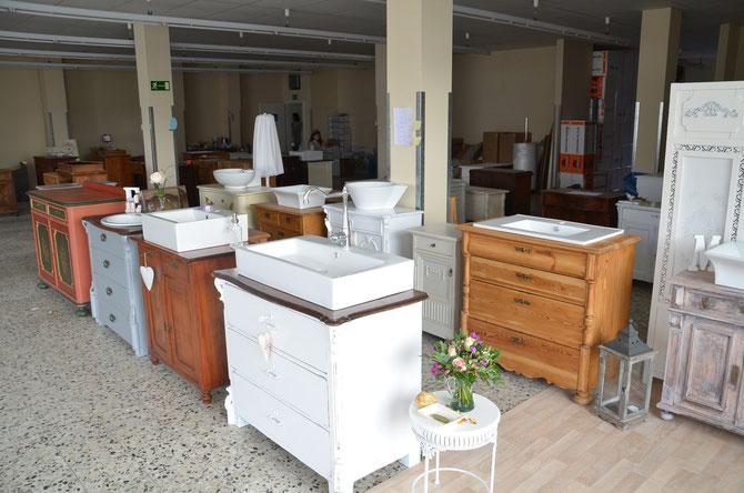 Antike Waschtische neues zuhause! - land & liebe badmöbel landhaus