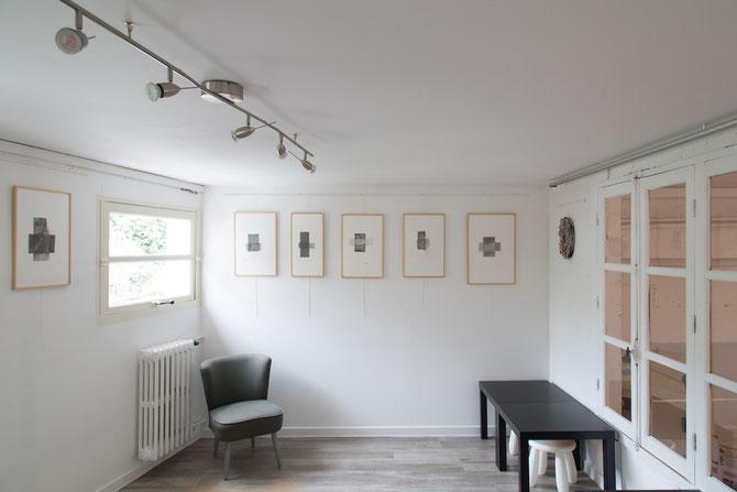 Carte blanche à Emmanuelle Bec à la Galerie 18 • vue de l'exposition • série HOME2 • dessins au graphite