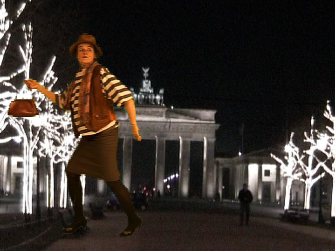 Bürotrick, Realstrickfilm, VOR und HINTER der Kamera: Christa Biedermann