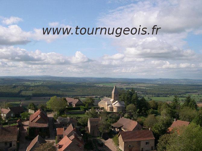 Brancion. Le village médiéval vu du donjon du château