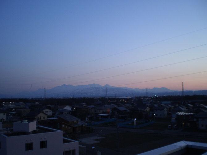 清々しい一日。夕方の屋上で久しぶりの「深呼吸」。