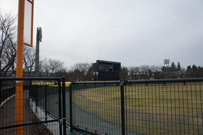両翼が95mに拡張された野球場。上越の子どもたちの活躍を心待ちにしています!