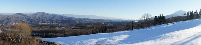 赤倉観光ホテルからの景色。黒姫、斑尾、志賀の山々が一望