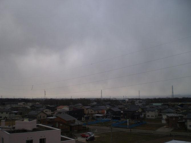 今日の屋上からの景色。妙高連山の姿は望めませんでした