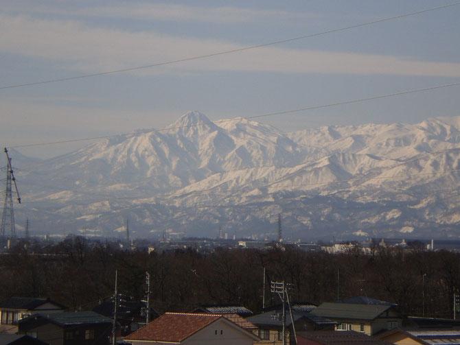 妙高山。今日もありがとう。その姿を見ると、なぜか力がみなぎってきます!
