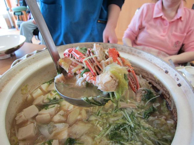 うみまち厨房特製の「日本海鍋」。寒い冬にはもってこい。日本海のうま味が口の中いっぱいに広がります。