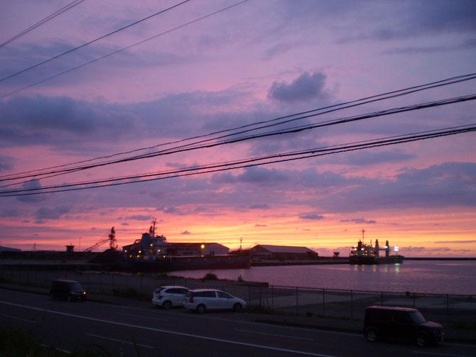 今日の帰り道。夕焼け空がきれいでした