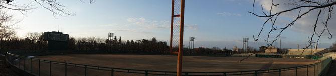 両翼95mへの拡張が決まった高田公園野球場。地元の高校球児がハツラツにプレーする姿が今から楽しみ。