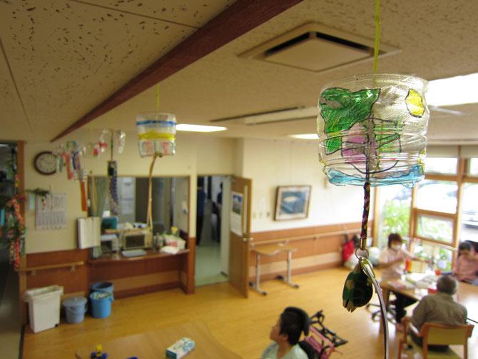 蒸し暑い日本の夏に清涼感を与えてくれる風鈴。先人の知恵に感謝です。