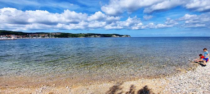Isola, spiaggia al faro