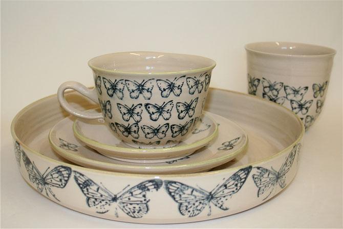 Schale, Auflaufform ,Tablett 56€   Frühstücksteller 16€  Unterteller 9,50€  Grosse Tasse Bowl Form  19€Uni Farbig   inkl. 19% MwSt. zzgl. Versand