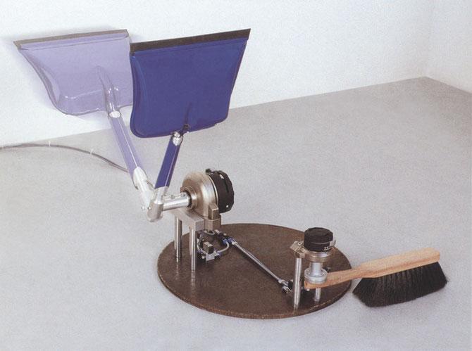 Katharsismaschine 8, 2001, 45 x 65 x 50cm