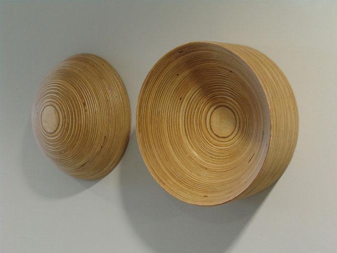 Inspitation - Expiration I (konvex - konkav), 1997, Multiplex, zweiteilig 24,7 x 60 x 12cm, Sammlung Landratsamt Esslingen