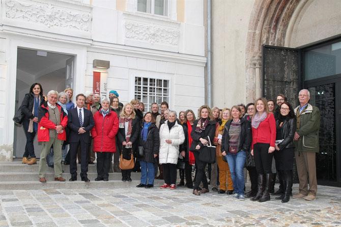Vizebürgermeister Mag. Wolfgang Derler und Gabriela Hüther von Krems Tourismus begrüßten 35 Guides aus Ostösterreich beim 6. Kultur- und Tourismus Open im museumkrems. Foto: zVg