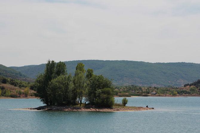 Le lac et sa petite île