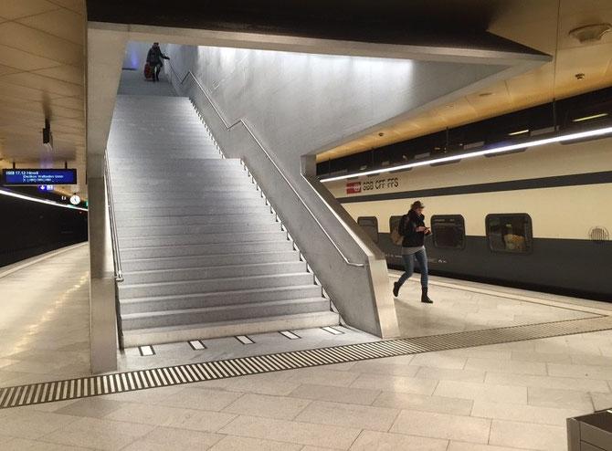 Treppe Bahnhof Löwenstrasse Zürich SBB