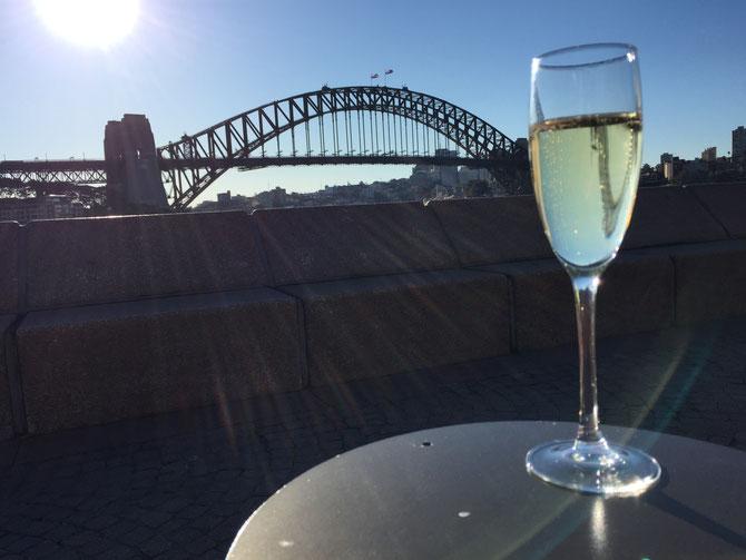 シドニー ハーバーブリッジ シャンパン