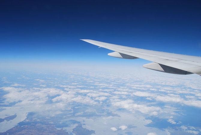 機内での過ごし方で子連れ旅の質が変わってくる